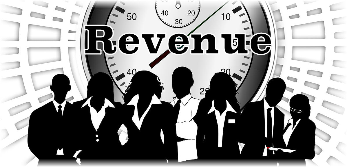 Black and white image depicting IBM employees that are ready to drive revenue: revenue per employee.